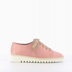 Ultra-light brogues in pink suede-effect
