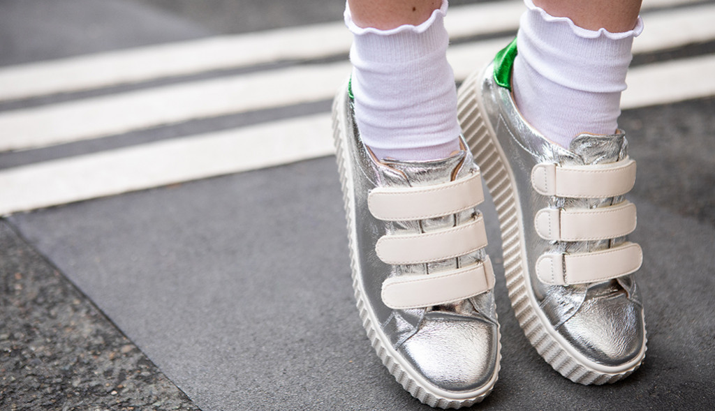 How to wear metallic sneakers?